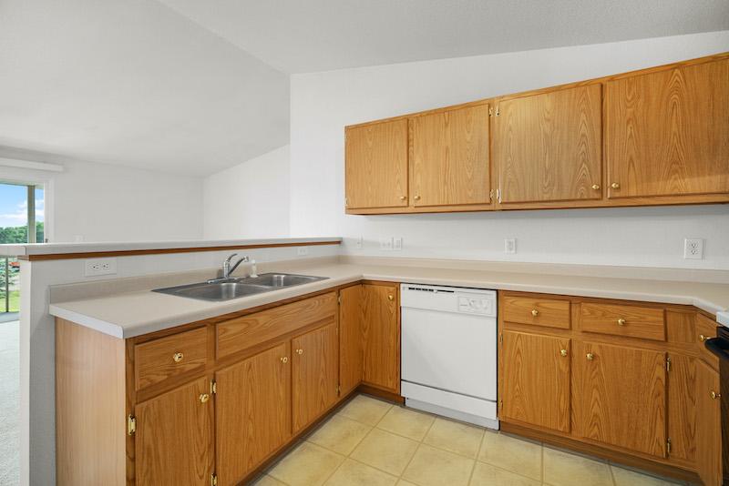 Hilltop Park Apartments | Marshfield | Locations